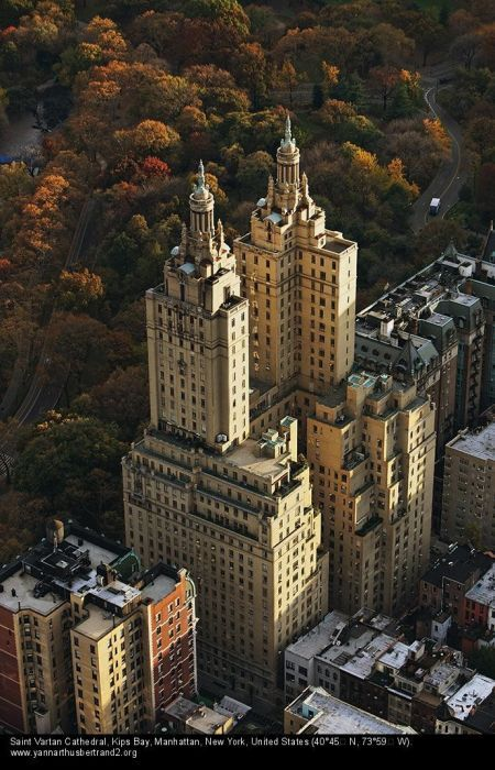Nyc aerial shot of the san remo apartments on central for Central park apartment new york