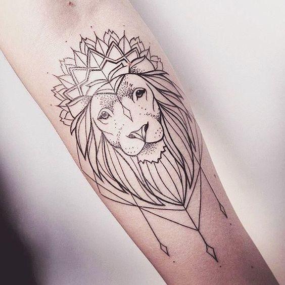 65 Tatuagens de leão impressionantes: