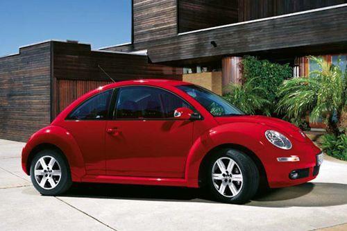Red Vw Bettle In 2020 Volkswagen Beetle Volkswagen Beetle Convertible Car Volkswagen