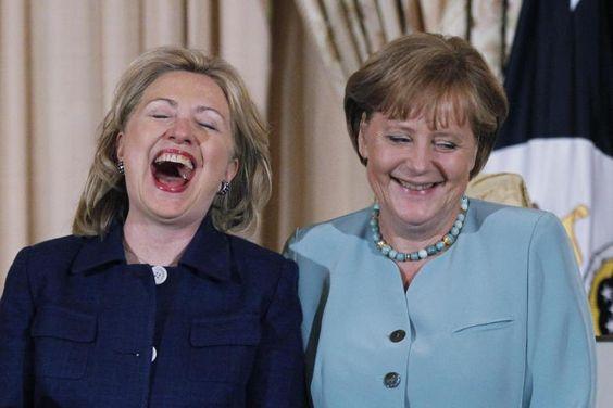 Zwei in Blau: Hillary Clinton und Angela Merkel 2011 in Washington Foto: ASSOCIATED PR Nach dem Einstieg von Hillary Clinton ins Rennen um die US-Präsidentschaftskandidatur der Demokraten gibt die CDU ihre traditionelle Orientierung auf die konservativeren Republikaner auf.