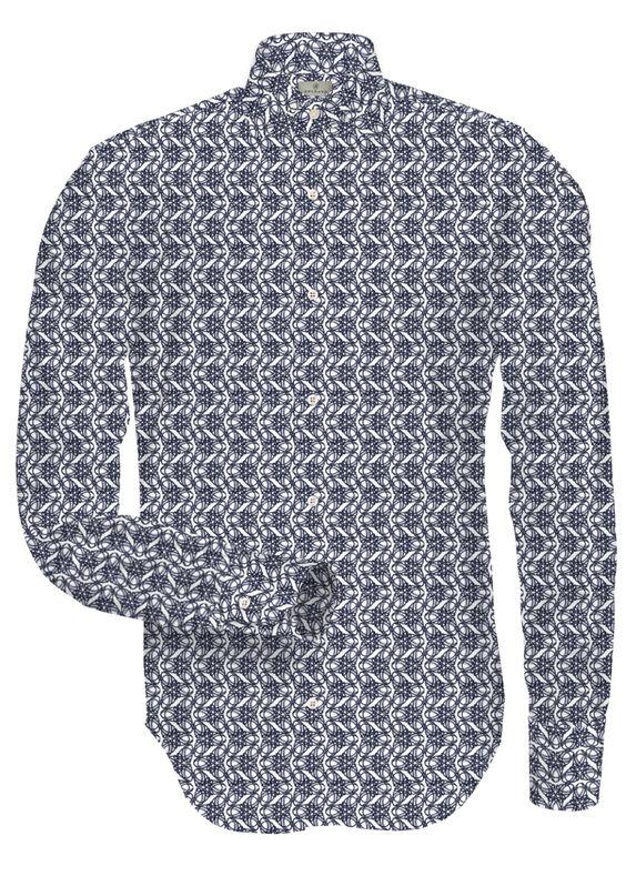#Amerano #Hemd #Smith:  Wandlungsfähig und dennoch beständig, ein Mann der immer am Puls der Zeit liegt und damit immer einen Schritt voraus ist. Der Stoff Smith hat eine Twill-Optik mit einem markanten Druck. AMERANO Stoffe aus 100% Baumwolle sind besonders angenehm auf der Haut. Baumwolle hat die Vorteile, dass sie sehr atmungsaktiv und feuchtigkeitsaufnehmend ist. Der Twill-Stoff ist ein weicher, belastbarer Stoff und durch seine robuste Natur besonders resistent gegen Knitter.