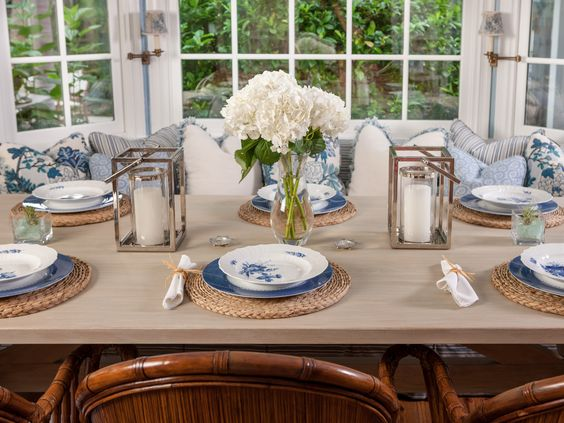 Palm beach dining room custom beech wood dining table simple cut floral centerpiece coastal - Dining room table settings ...