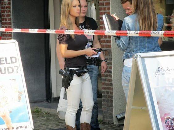 Gshow: Linda policial vira musa de rede social