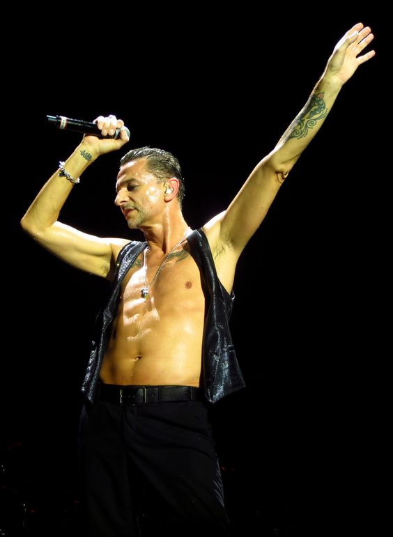 Dave Gahan of Depeche Mode in Houston photo by Dingerz