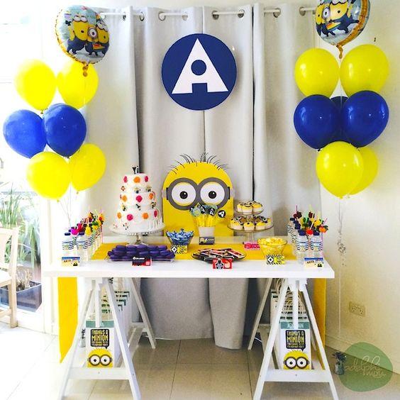 Minion Festa de aniversário temático com tais idéias bonito através Idéias do partido de Kara KarasPartyIdeas.com # # minionparty despicableme # # partydecor partyideas (2)