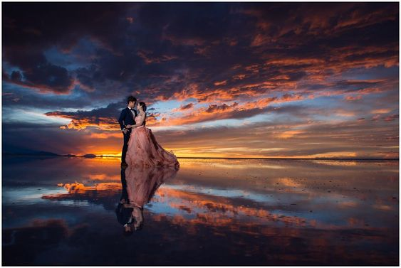 The Salar de Uyuni is the world's largestsaltplain. It is located in the high Andes of southwestern Bolivia at 3650m asl. During the rainy season from December to march parts of the saltplain are covered by just a few centimetersof water leading to an amazing mirror effect.  I wanted to visit the Salar de Uyuni for