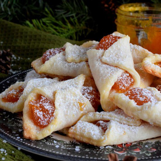 Traditional Hungarian Kolaches Are Cookies Made With Cream Cheese Dough And Filled With Apricot Jam They Are Very Common Nutella Holiday Cakes Kolache Recipe