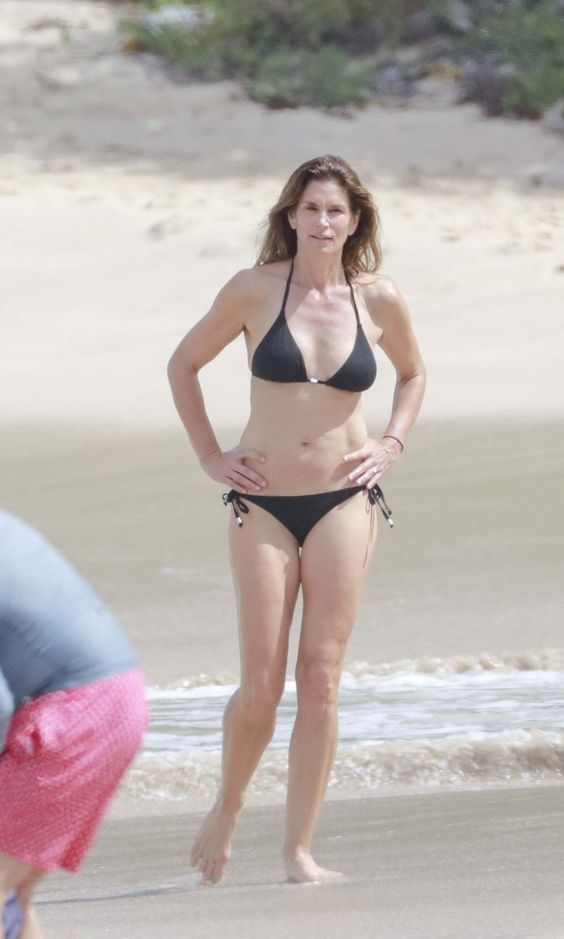 Cindy Crawford Shows Off Her Bikini Body While Vacationing With Husband Rande Gerber