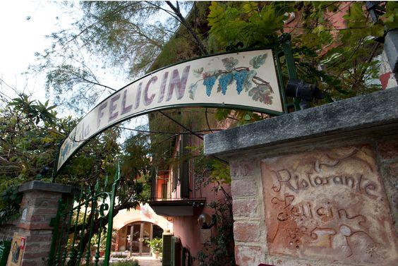 Giardino Da Felicin, Via D. Vallada, 18 12065 Monforte D'alba Cuneo, Italia 0173 78225  Gehobenes Ambiente, haben schöne Zimmer zum übernachten.  felicin.it