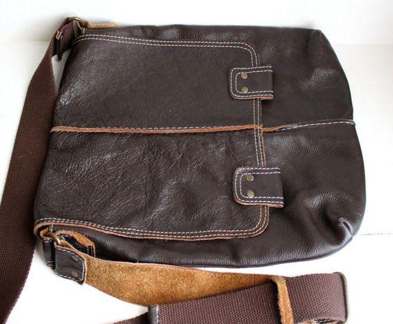 vintage Wilson leather crossbody messenger bag // by RedTuTuRetro, $25.00