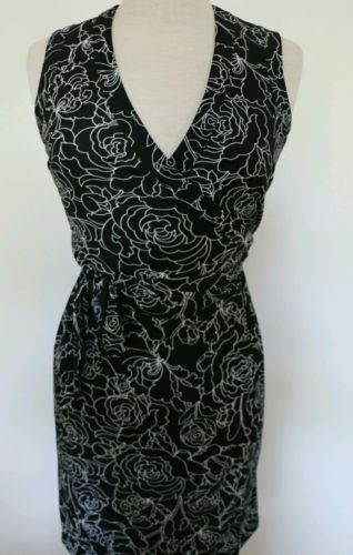 Ann taylor loft petite 2p black and white floral wrap dress