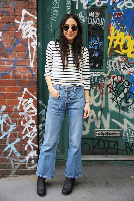 Cropped Flare Jeans #flatlay #flatlays #flatlayapp www.theflatlay.com
