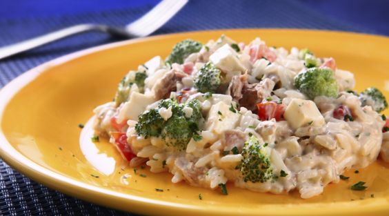 Arroz Cremoso com Brócolis, Atum e Queijo Branco - Recepedia | E sua receita, qual é?
