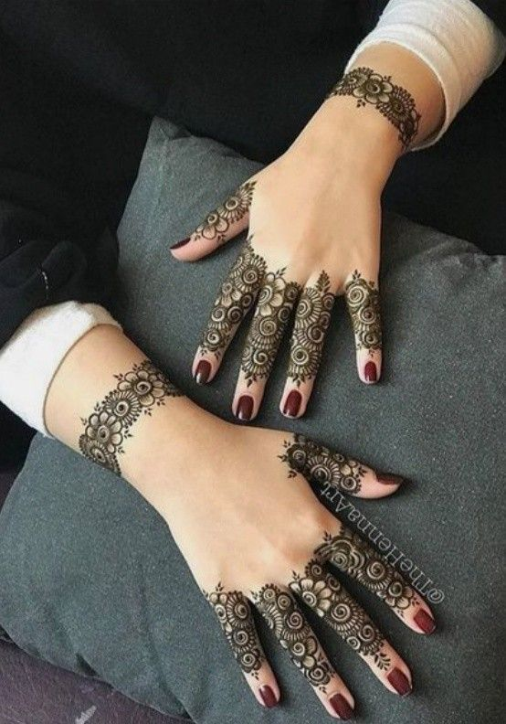 Beautiful Arabic Henna Designs For Wrist And Fingers Finger
