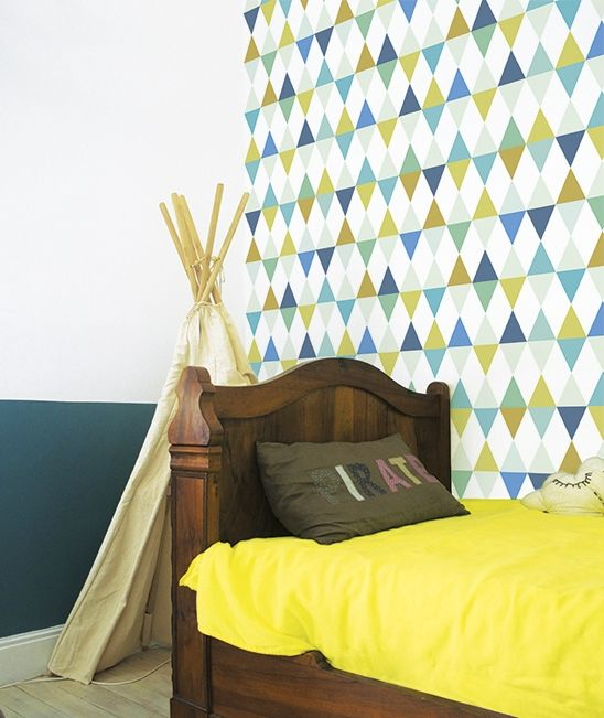 papier peint g om trique multicolore gar on chambre garcon pinterest turquoise. Black Bedroom Furniture Sets. Home Design Ideas