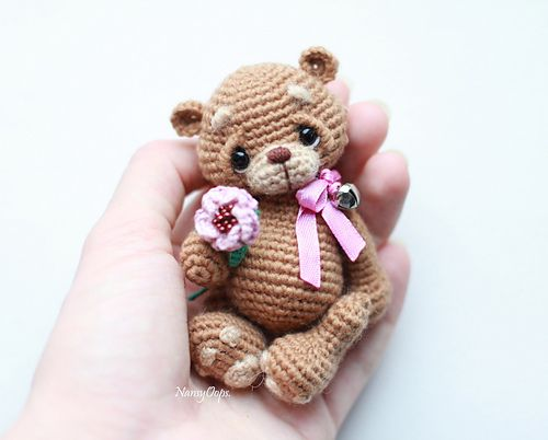 Ravelry: Amigurumi Teddy Bear pattern by Eve Leder | 402x500