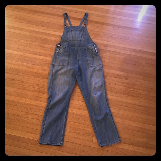Madewell Park Overalls in Dixon Wash Great boyfriend style overalls with slightly distressed legs. Madewell Jeans Overalls