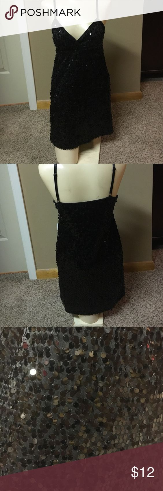 Mini sequins dress Forever 21 mini black sequins dress. Worn few times for parties and clubs. Forever 21 Dresses Mini