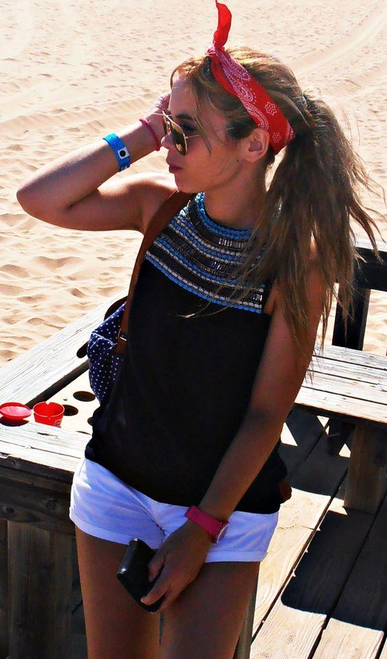 Red hair bandana Shirt - Zara; Shorts - Stradivarius; Watch - Swatch; Sunglasses - H&M.