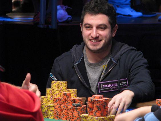 Tendo familiaridade com vários jogos de cartas durante anos, o poker pareceu natural para ele.