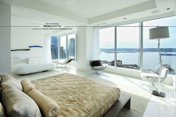 Escala bedroom