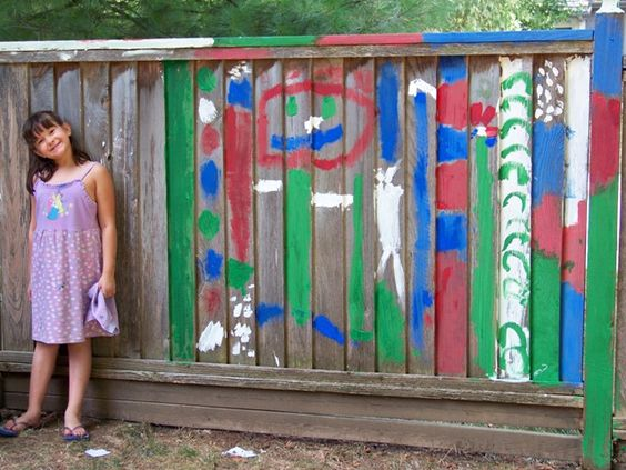 8 Cool Ideas for letting kids create BIG art!: Backyard Fence, Hero, Science Experiment, Large Art