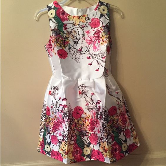 Floral dress Floral dress.  never worn brand new. will bargain with price Dresses