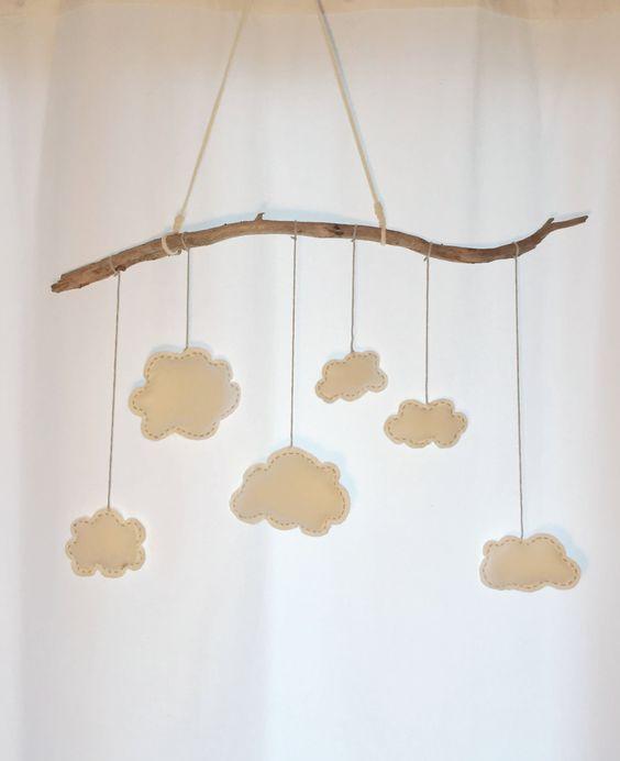 mobile mit wolken aus filz - kinderzimmer deko | felt, mobiles and