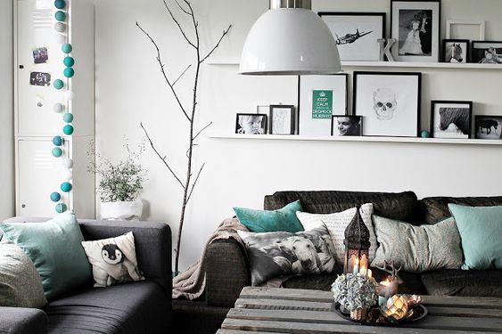 Una sala gris y menta turquesa gris y haus for Sala gris con turquesa