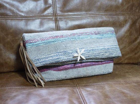 インド綿100%のネイティブ柄クラッチバッグです。マグネサイトという石縫い付けヒトデのモチーフにし、女性らしさを出しました♡タッセル部分は、程よいやわらかさの...|ハンドメイド、手作り、手仕事品の通販・販売・購入ならCreema。