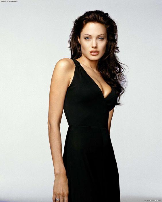 Анджелина Джоли (Angelina Jolie) в фотосессии Роберта Эрдманна (Robert Erdmann) для журнала GQ (сентябрь 2003), фотография 6