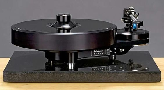 Brinkmann Audio Bardo, 10.5 tonearm and PI MC phono cartridge.
