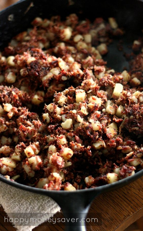 Corned Beef Hash- recipe is quick, easy, and tastes way better than the stuff in the can. Nothing like good ol' fashioned meat and potatoes. #recipes #fromscratch #hash