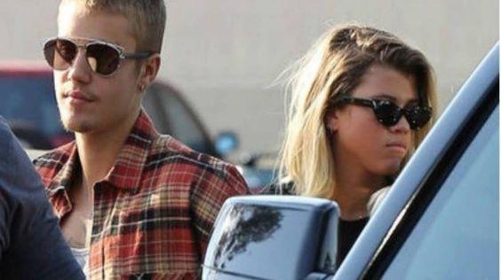 Justin Bieber y Sofía Richie pillados casi haciendo el amor en México