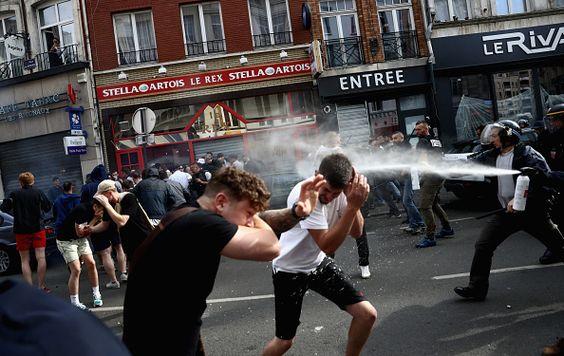 Eurocopa Francia 2016: 'hooligans' siembran el caos en Lille.