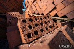 Фундамент здания в аварийном состоянии. Подробности истории с обрушением стены тюменской пятиэтажки на Фабричной