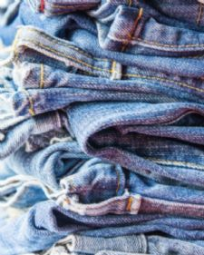 Vodeći švajcarski naučni institut objavio je danas da su njegovi stručnjaci uspeli da dobiju visokokvalitetna tekstilna vlakna od životinjskog otpada.