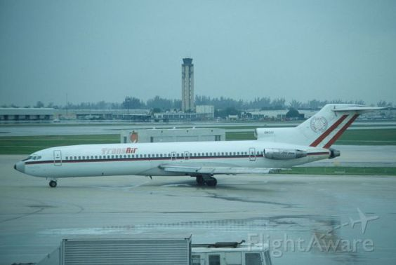 Taxing at Miami Intl Airport on 1990/08/29