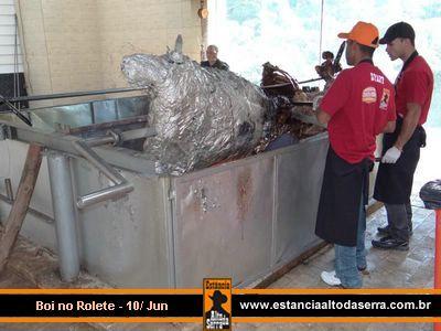 Boi no rolete do restaurante Estância de Ribeirão Pires - SP