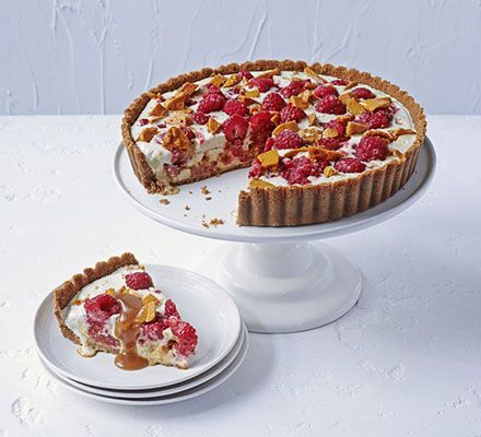 Frozen raspberry honeycomb pie. A sweet treat, packed with ice cream, honeycomb and raspberries to satisfy any sweet tooth.