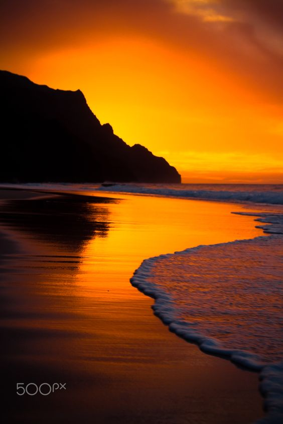 Kalalau Beach on the Na Pali Coast of Kauai, Hawaii • photo: Brandon Olmstead on 500px