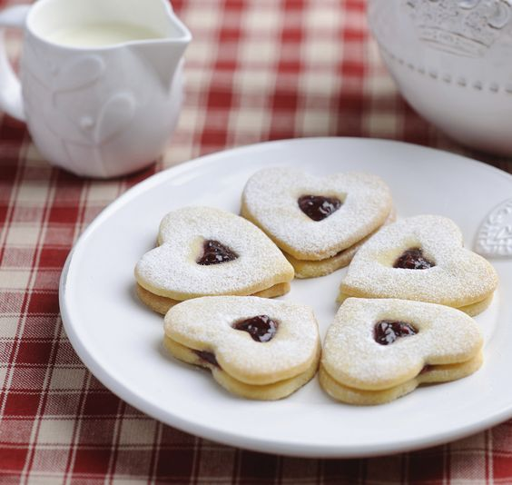 Small dollops of fruit jam add an extra touch of sweetness to these moreish French butter cookies.