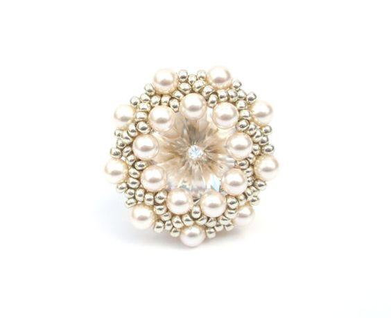 Ring Perlen Ring Swarovski Kristall und Creme von vantageJewellery