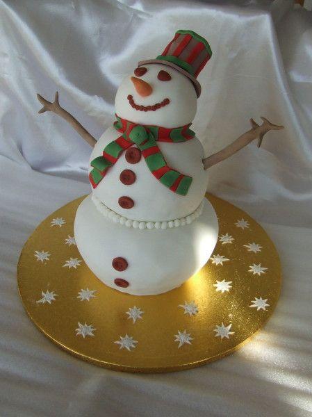 Tutoriel gâteau 3D en forme de bonhomme de neige en pâte à sucre;