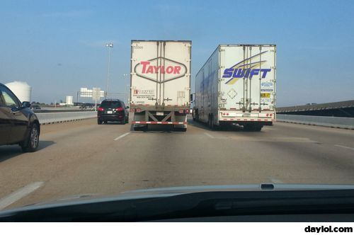 Taylor Swift on the road - DayLoL.com - Your Daily LoL!: Funny Things, Swift Trucks,  Trucking Rig, Funny Truck Photos, Road Trips, Funny Stuff, Funny Photos, Trailer Truck,  Semi