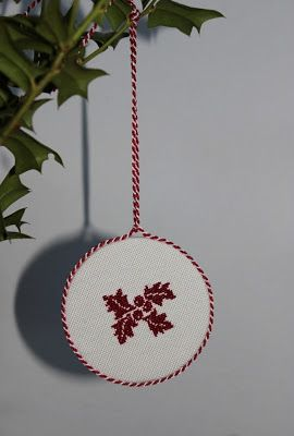 luli AGRIFOGLIO cross stitch