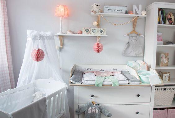 Inspiration for a scandinavian nursery Inspirationen für ein skandinavisches Babyzimmer in mint blush IKEA IKEA Hemnes Kommode wird zum Wickeltisch interior nordic interior scandi style   www.youdid-design.de