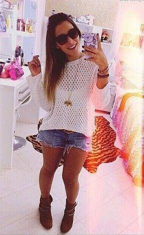 Amei o look .. amei a camisa e amei a decoração do quarto