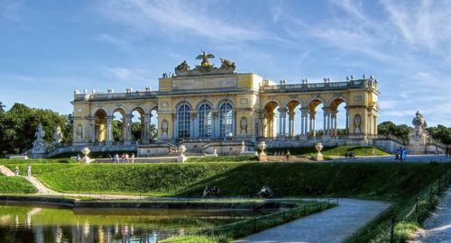 Gloriette, Schönbrunn Palace Garden. Vienna, Austria.