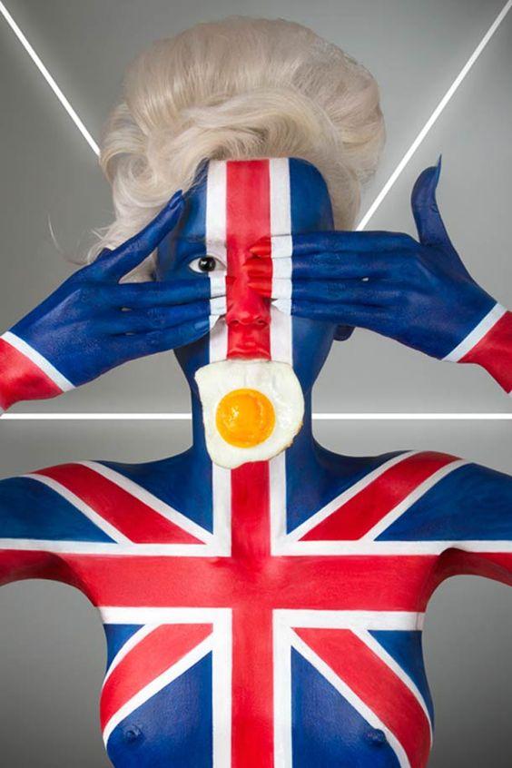 Fat Flag – Body Painting, Drapeaux et clichés culinaires